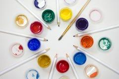 Ð-¡ olored und malt Bleistifte für das Zeichnen Lizenzfreie Stockbilder