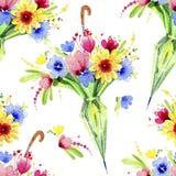 Ð-¡ olorful Blumen, die vom geschlossenen Regenschirm hervorstehen Nahtloses Muster Dekoratives Bild einer Flugwesenschwalbe ein  Stockbilder