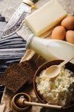 Деревенский взгляд сверху еды молокозавода стоковое изображение rf