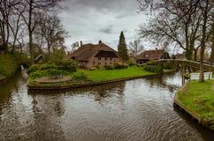 Деревня Giethoorn, Нидерланд стоковые изображения