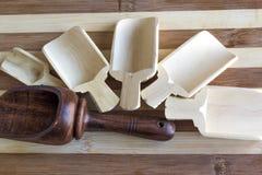 Деревянные ложки для хлопьев, для специй стоковые изображения rf