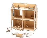 Деревянный кукольный домик с меньшей мебелью на белой предпосылке стоковое изображение