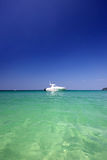 Ях Ñ 'а Ð ² Ð ¼ Ð ¾ Ñ€ÐΜ, jacht w morzu Zdjęcia Royalty Free