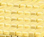 Драгоценное сияющее золото в слитках стоковое изображение