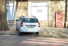 Ð-¡ ar parkeras på en övergångsställe Royaltyfria Foton