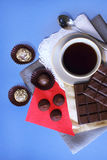 Тea y dulces Imagen de archivo libre de regalías