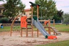 Ð-¡ hildren Spielplatz den auf mehreren Einheiten Stockbilder