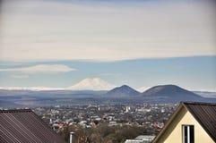 Ð ¡ ityscape和山景在Pyatigorsk附近 免版税库存图片