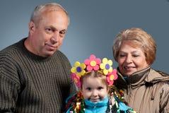 Ð maduran pares con su nieta Fotos de archivo libres de regalías