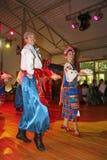 Ð-¾ n Stadium sind Tänzer und Sänger, Schauspieler, Chormitglieder, Tänzer von corps de ballet, Solisten des ukrainischen Kosaken Lizenzfreie Stockfotografie