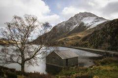 Долина Snowdonia северное Уэльс Tryfan Ogwen стоковое изображение rf