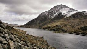 Долина Snowdonia северное Уэльс Tryfan Ogwen стоковые изображения