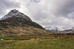 Долина Snowdonia северное Уэльс Tryfan Ogwen стоковые фотографии rf