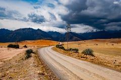 Дорога среди ландшафта Перу стоковые изображения rf