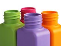 Ð-¡ olored Plastikflaschen stockbilder