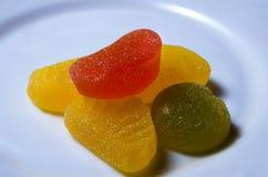 Ð-¡ olorful Süßigkeiten auf einer Platte Stockbild