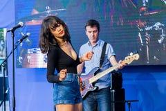 Ð-¡ oncert ' Pendentif' musikband i Cannes Arkivfoton