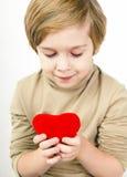 Ð ¡ pikapu młoda chłopiec z czerwonym sercem obrazy stock