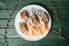 Сандвич клуба с обломоками стоковая фотография