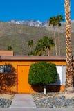 Середина века Aparment Palm Springs, Калифорния стоковая фотография rf