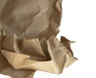 Скомканная коричневая упаковочная бумага и текстура, клиппирование, изолированное на белой предпосылке стоковое фото rf