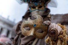 Скорба тайны стороны маски красоты костюма платья художника искусства масленицы Venezia стоковое изображение rf
