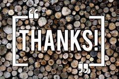 Слово писать спасибо текста Концепция дела для года сбора винограда предпосылки признательности подтверждения благодарности приве стоковое изображение rf