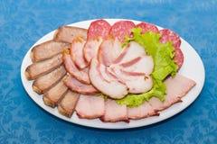 Смесь отрезанных мяса, сосиски и ветчины стоковое фото