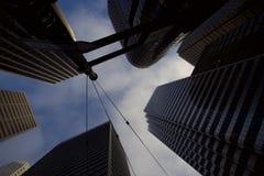 Смотреть вверх на небоскребах в Сан-Франциско стоковое фото rf