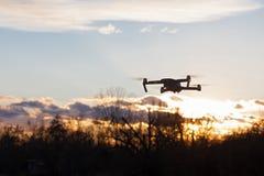 Съемка dron летая стоковые фотографии rf