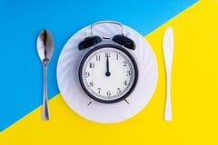 съешьте время к Обедают время, завтрак и концепция обедающего стоковая фотография rf