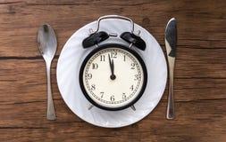 съешьте время к Обедают время, завтрак и концепция обедающего стоковые изображения rf