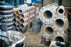 Стальные круглые заготовки для изготовления клапанов стоковые фото