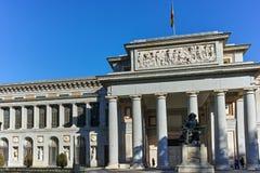 Статуя Velazquez перед музеем Prado в городе Мадрида стоковое фото