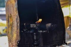 Старый путь освещения вверх свет используемый в древних храмах стоковая фотография rf