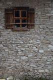 старое окно каменной стены стоковые изображения rf