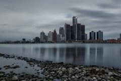 Сценарный взгляд берега реки Виндзор Онтарио Детройт, Мичигана стоковые фото
