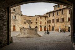 Средневековая аркада Silvestri в Bevagna Италии 2017 стоковая фотография