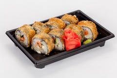 Японская национальная популярная кухня Суши, рис и рыбы Вкусный, красиво послужил еда в ресторане, кафе стоковая фотография rf