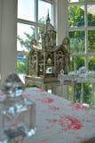 Украшение таблицы свадьбы с замком стоковые фотографии rf