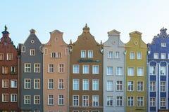 Улица длинного рынка, типичные красочные декоративные средневековые старые дома, королевская архитектура маршрута  стоковое изображение rf