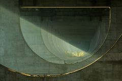 Уникальный космос под мостом стоковое изображение