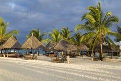 Утро на острове Занзибара побережья океана стоковые фотографии rf