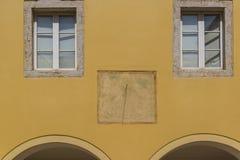 Шкала Солнца, Krk, Хорватия стоковые изображения