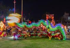 Шторка для освещения нерезкости, парк движения освещения дракона шоу медленная шоу публично стоковая фотография rf