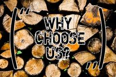 Текст сочинительства слова почему выберите нас Концепция дела для причин для выбора нашего бренда над другими аргументы деревянны стоковое фото rf