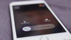 Телефонный звонок, входящий звонок на мобильном телефоне сток-видео