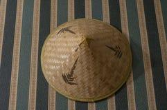 Традиционная шляпа сделанная из бамбуковой древесины стоковые фотографии rf