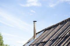 Труба на крыше chimney улица toronto деревенского дома Канады Дом с печной трубой стоковая фотография