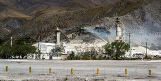 Фабрика цемента, провинция Salta, Аргентина стоковое изображение rf